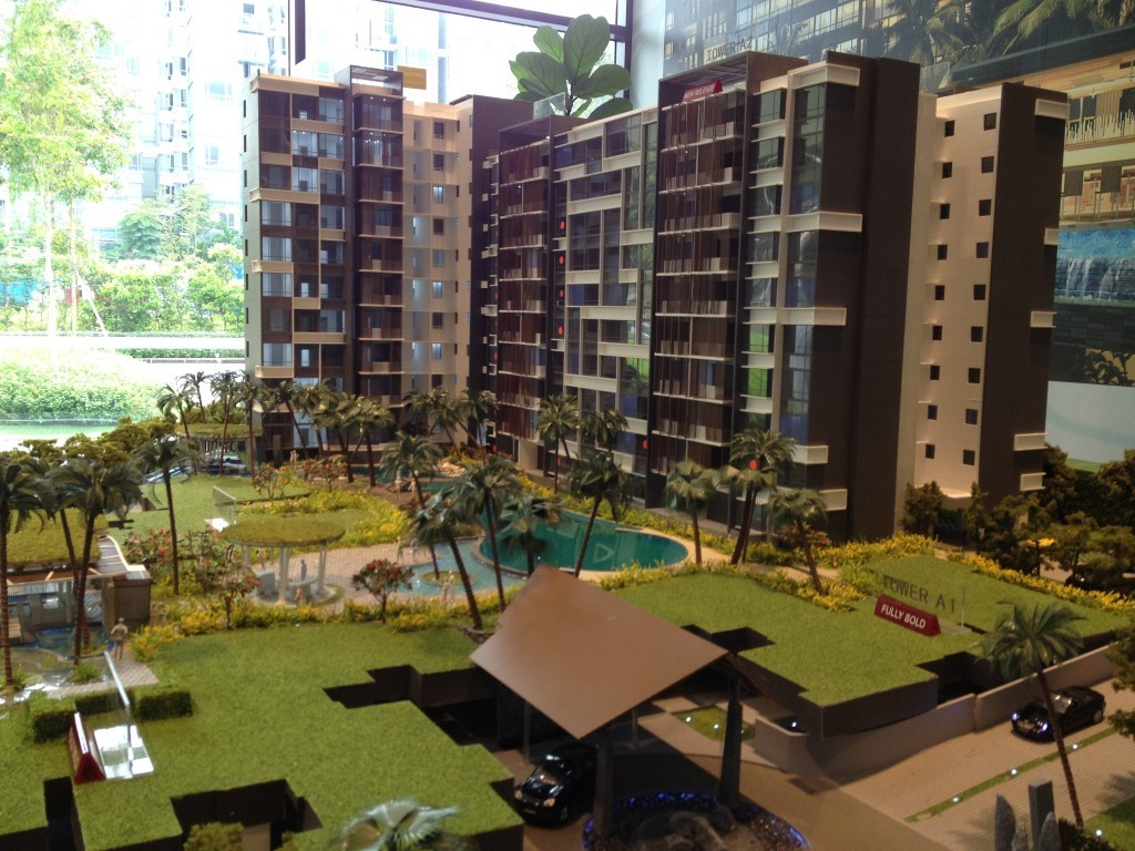 The Lanai is a 999 year leasehold condo near Hillview MRT