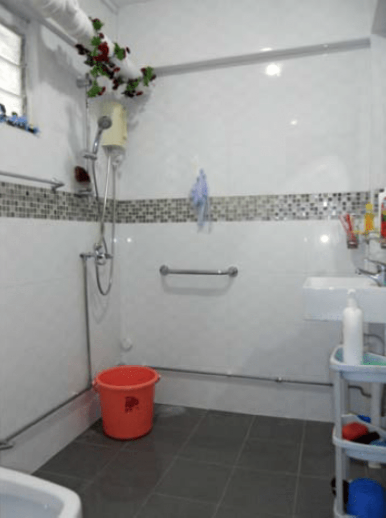 Neat and Tidy bathroom in 110 Tampines St 11