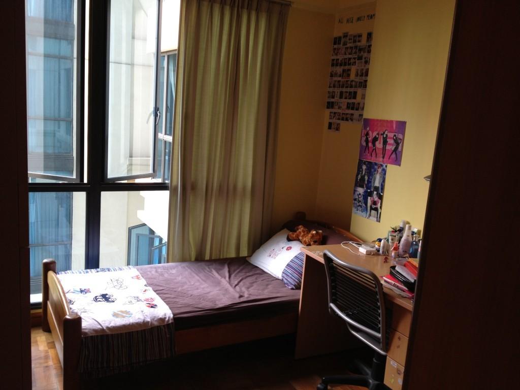 Regent Grove - Well-lit bedroom without West Sun