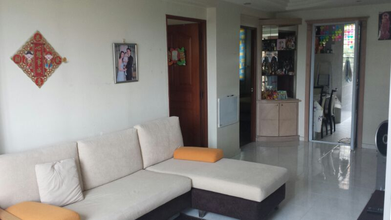 407 Tampines St 41 Contemporary Living Hall
